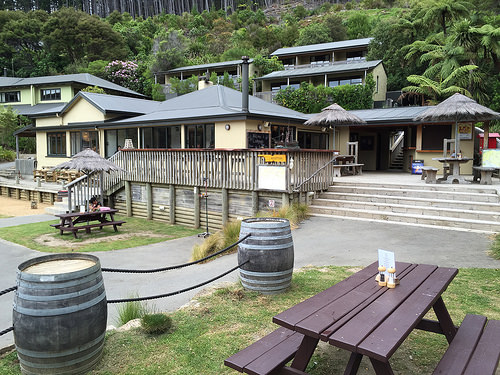 Visiting Lochmara Lodge from Picton