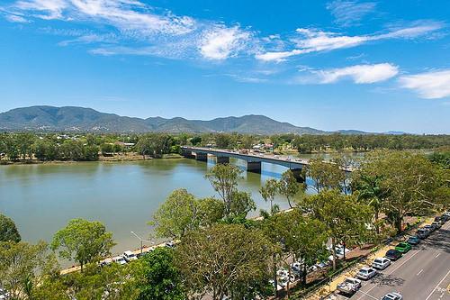 Empire Hotel River view2