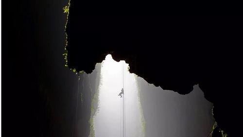Waitomo Cave Abseil2