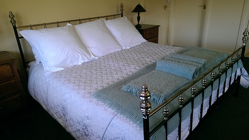 Kincaid Cottage bed