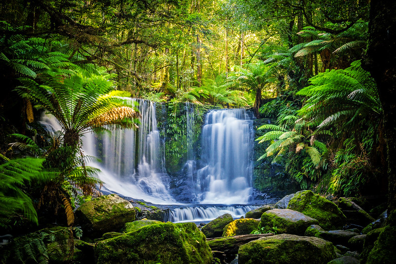 Romantic waterfalls in Australia and New Zealand