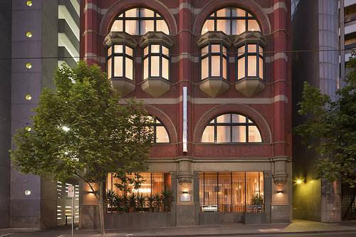 Hotel Lindrum on Flinders Street