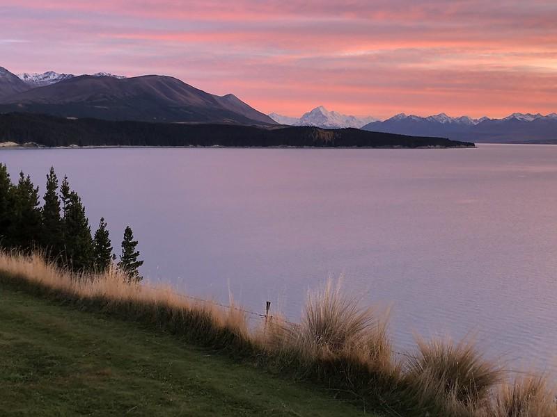 Mount Cook Retreat Villa with views over Lake Pukaki