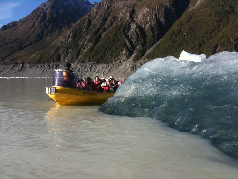 Glacier Explorer tour on Tasman Glacier Lake